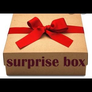Surprise box 6 items good condition.size 6 to 12.